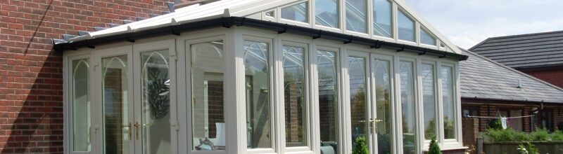 What is the difference between and orangery and a conservatory?